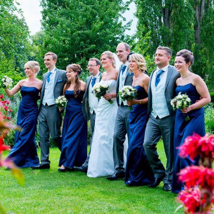 wedding party walking at Odney Club