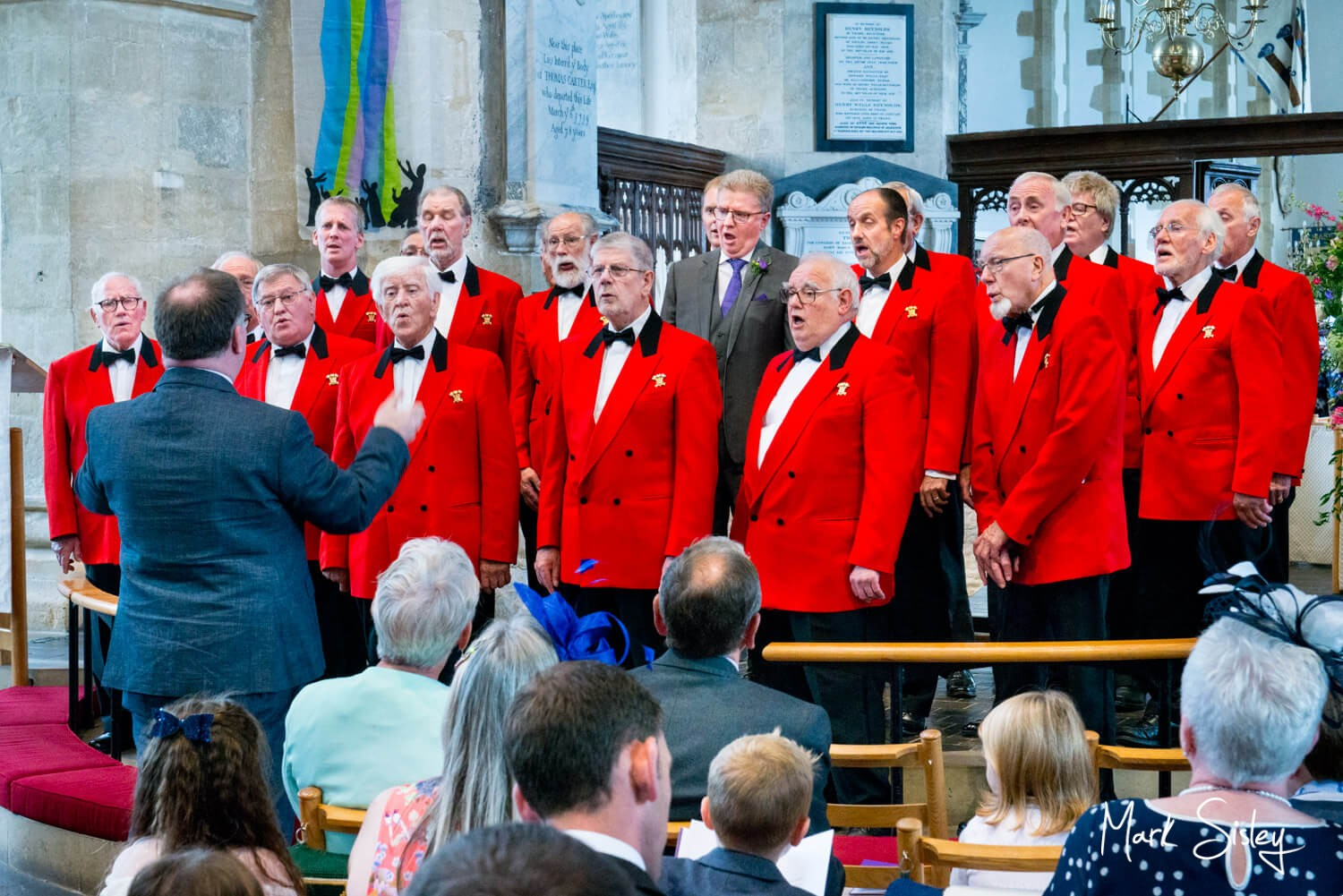 St.Mary's Church, Thame - London Welsh Male Voice Choir attending a wedding