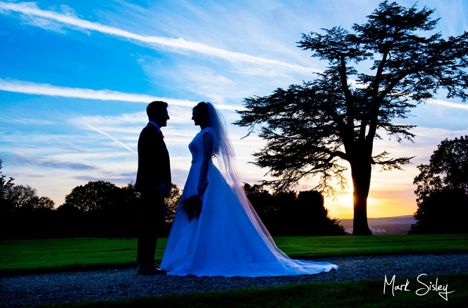 Hedsor House wedding photographs at sunset