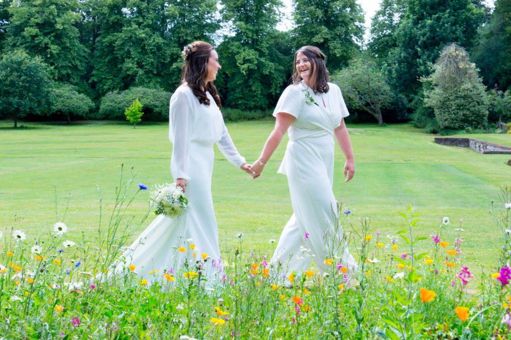 Missenden Abbey wedding stroll through the wild flowers