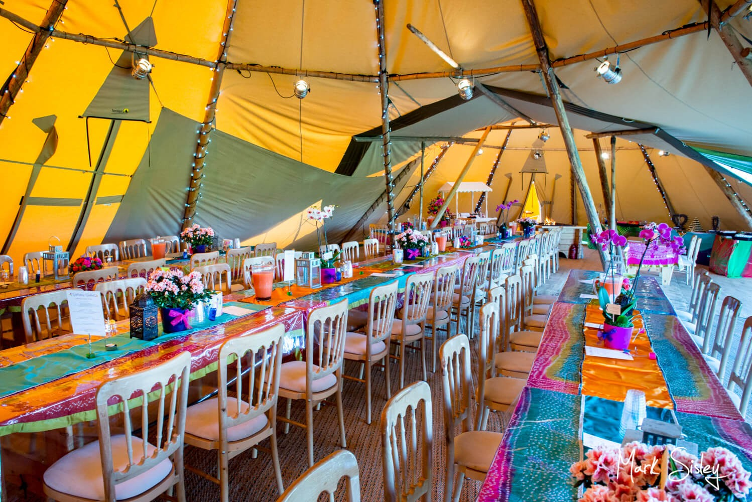 Asian wedding pictures Buckinghamshire - Tipi interior