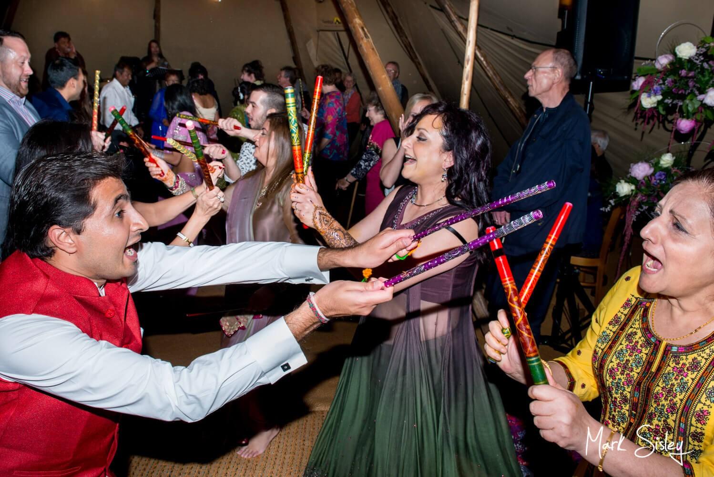 Buckinghamshire wedding mehndi pithi - dancing the night away