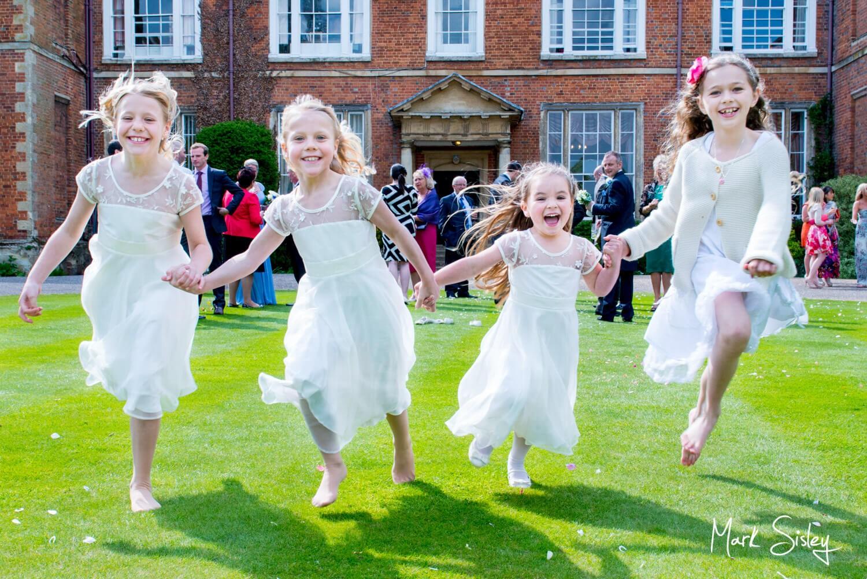 Dorton House wedding photos of kids running