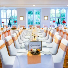 Missenden Abbey autumn weddingsetup in the Dining Room